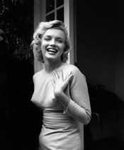 Happy Marylin