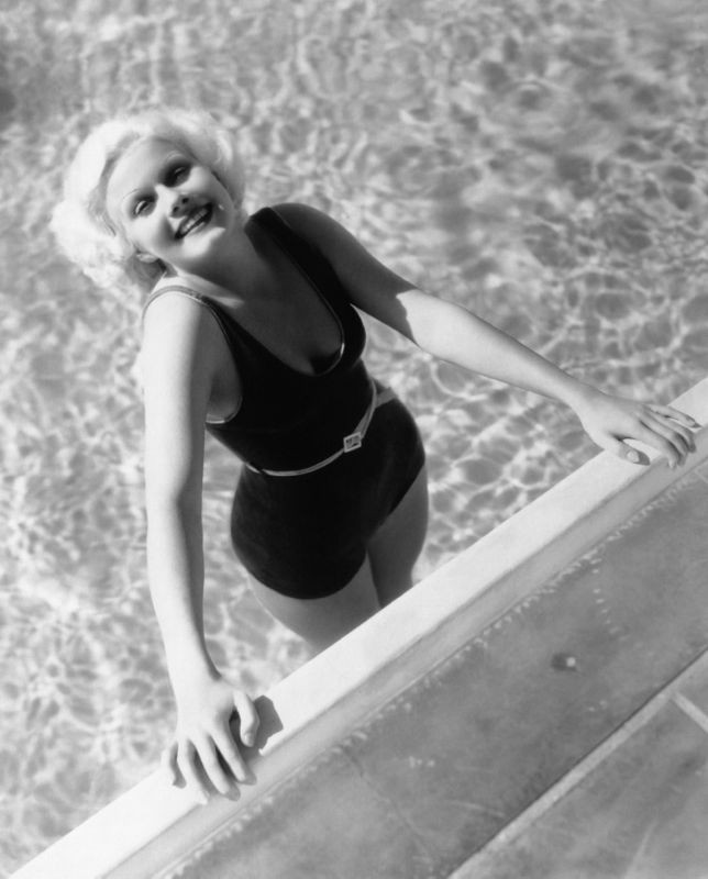 Beverly Hills Harlow In Her Pool