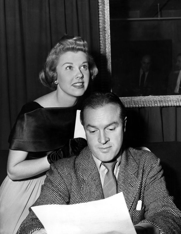 Doris Day & Bob Hope Run Through A Radio Script
