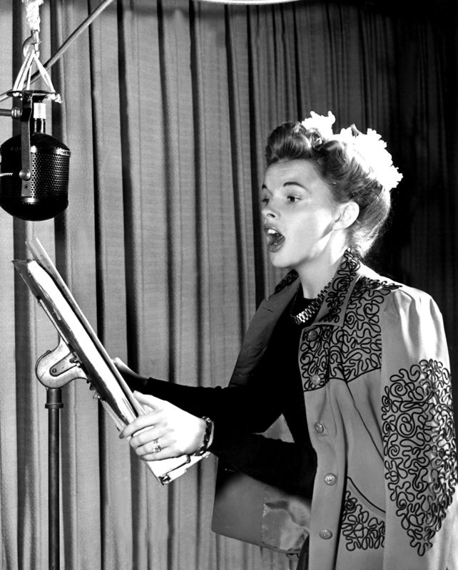 Judy Garland Singing In The Recording Studio