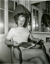 Marilyn Monroe At The Hairdressers