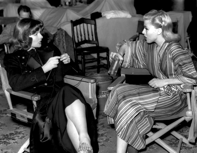 Rogers & Hepburn Chat On Set