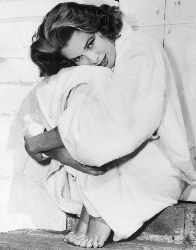 Grace Kelly Bundles up in her Robe