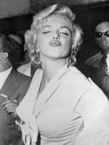 Marilyn Monroe Puckers for Photographers