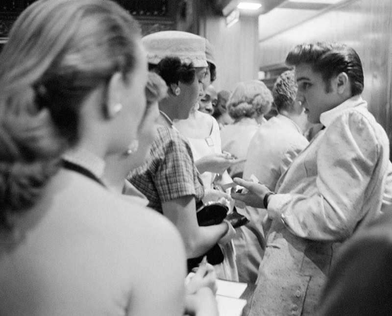 Elvis With Fans