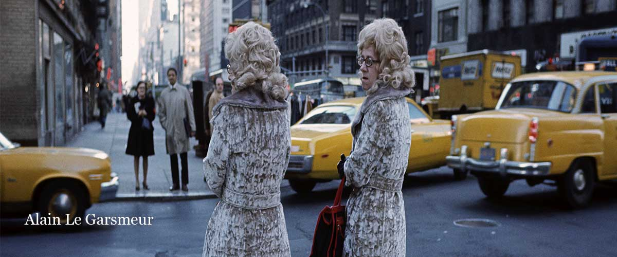 Fur coated twins waiting to cross the road, Manhattan, New York City, USA, 1973. (photo ALAIN LE GARSMEUR) Note All prints are produced as Limited Edition C Type prints and are stamped & numbered on the front. Edition size varies with print size : 10×12″ ed. of 100 | 12×16″ ed. of 50 | 20×16″ ed. of 30 | 20×24″ ed. of 25 | 30×20″ ed. of 20 | 40×30″ ed. of 15 | 60×40″ ed. of 10